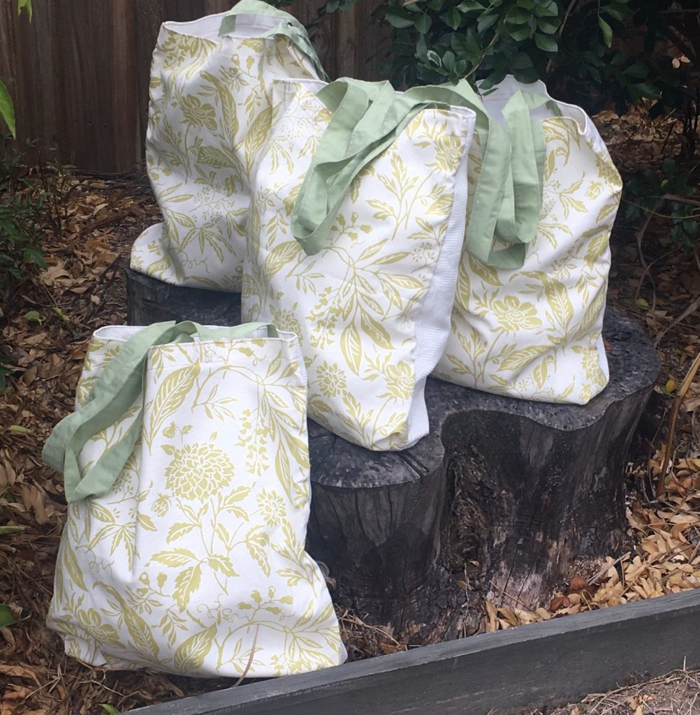 Stylish lime and white bags. Set of 4 - buy now, Carindale